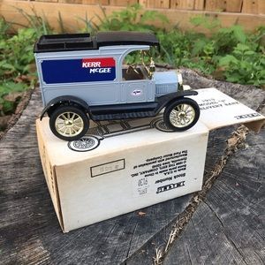 1913 Model T Delivery Bank | Locking Coin Bank
